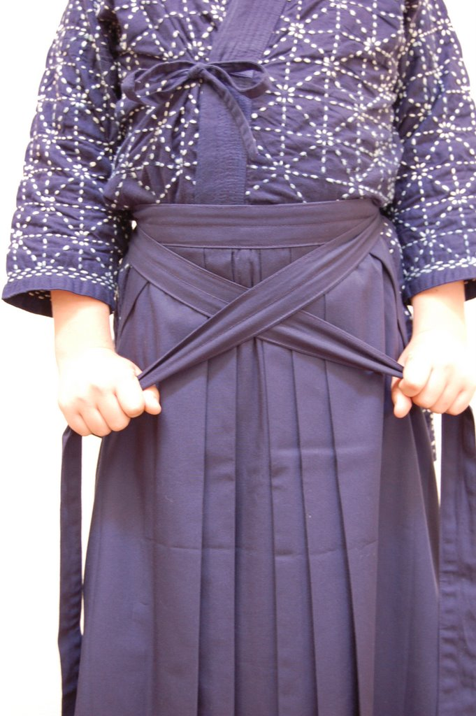 How to tie a hakama for Kendo